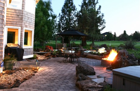 paver patio on golf course home in redmond or