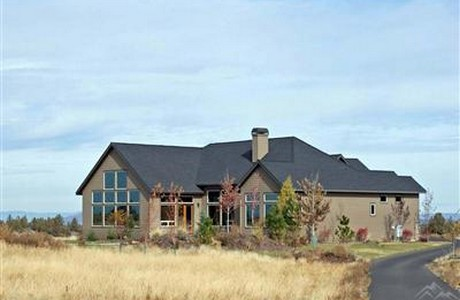 distressed home with acreage bend