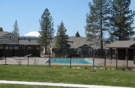 pool-mt-bachelor