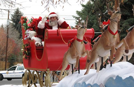santa at the bend oregon christmas parade