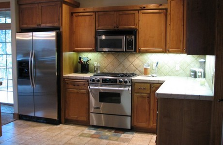 kitchen at 60875 grand targhee in bend oregon