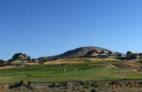 Clubhouse and pro shop at Brasada Ranch