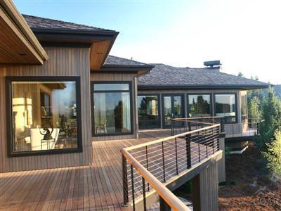Walls of windows to capture Cascade views in Bend Oregon