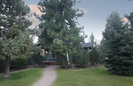 Post image for Westside Cottage in Bend Oregon . . . $295,000