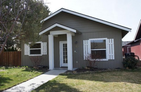 """This home in Larkspur is being """"flipped""""--it's already pending"""