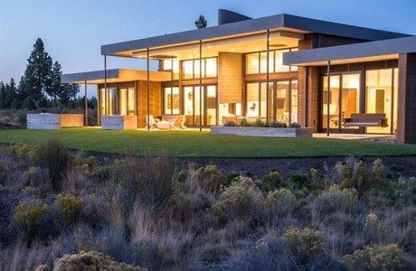 Single level overlooking 14th. tee at Tetherow in Bend . . . onlt $2,050,000