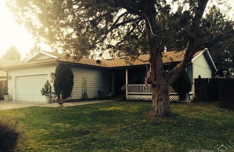 Single level in Bend . . . a deal at $180,000
