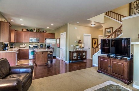 Meticulously maintained and $325,000