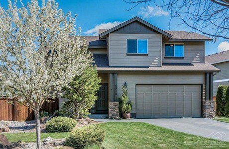 Median price in  Bend in May ws $325,000