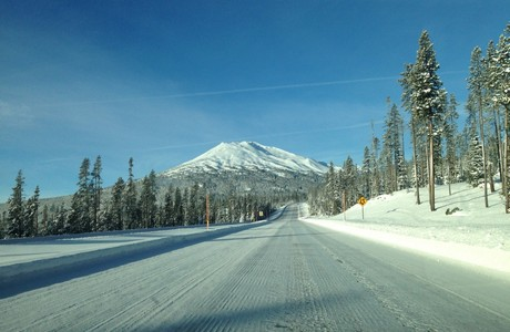 Lots of traffic on the road to Mt. Bachelor