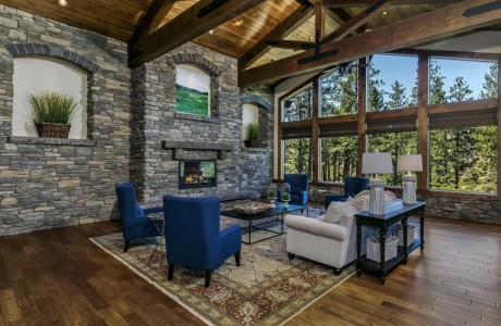 Soaring fireplace in Bend