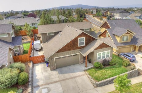 Medan price in Bend is $405,000